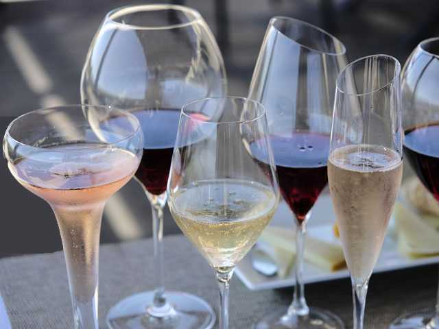 Sip, Sparkle, Pop! 5 Can't-Miss Spots on Sonoma Bubbly Tour