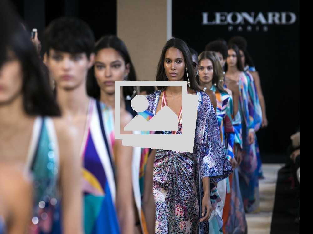 Closer Look: Paris Fashion Week