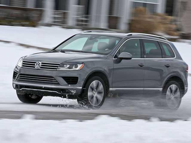 VW Recalls Older Touareg SUVs to Fix Possible Fuel Leaks