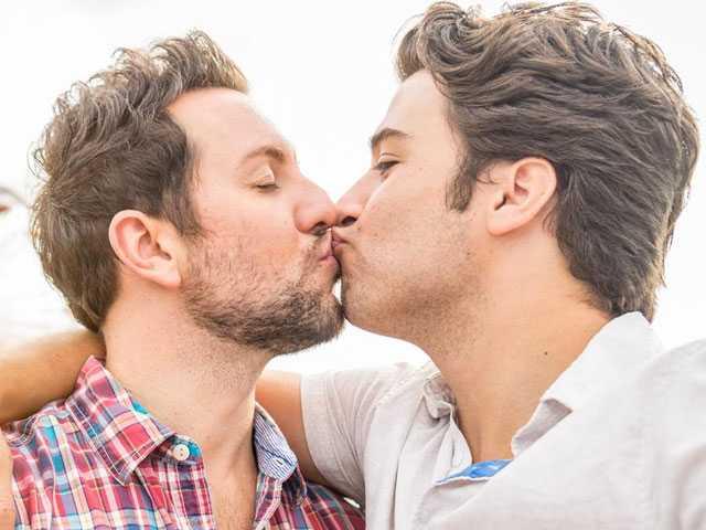 Tweet About Gay PDA Goes Mega Viral
