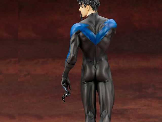 Fans Lose It for New Nightwing Figurine's Perfect Bubble Butt