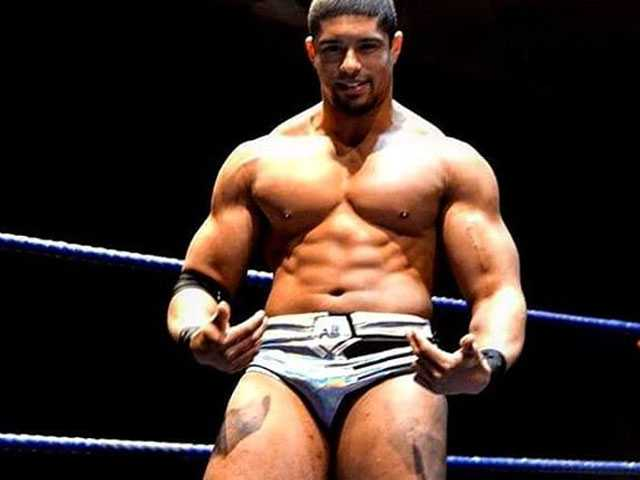 Pro Wrestler Anthony Bowens on Coming Out: Happy to Be Himself