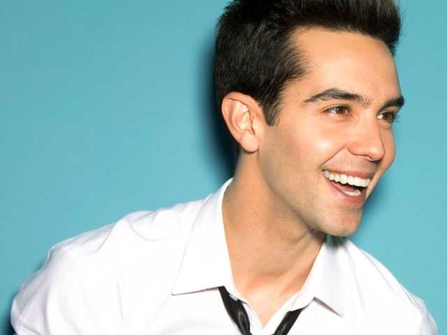 Michael Carbonaro :: Behind the Magician's Cape