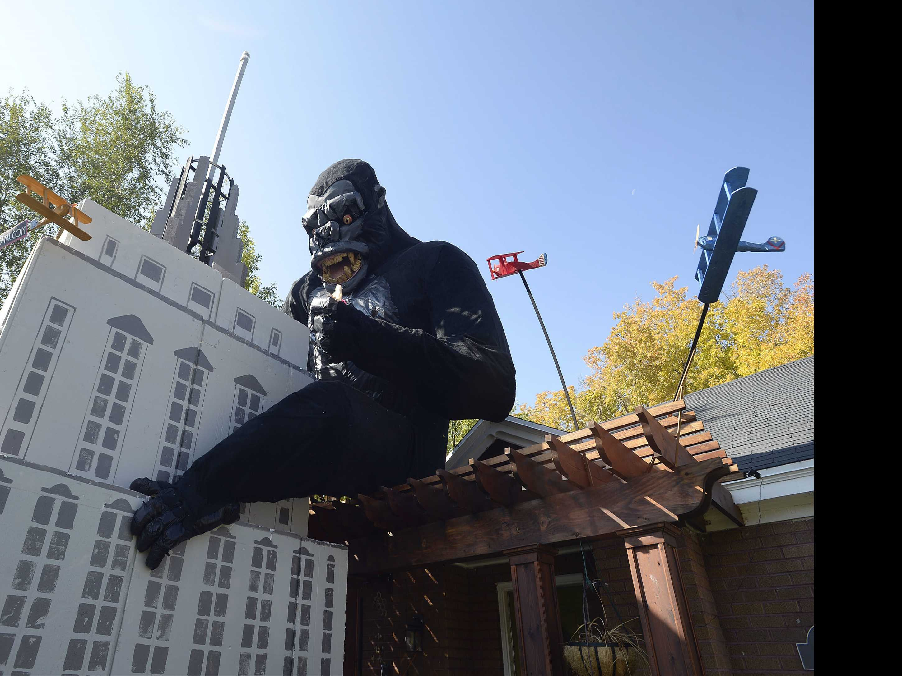 Salt Lake City Man Decorates House With King Kong Display