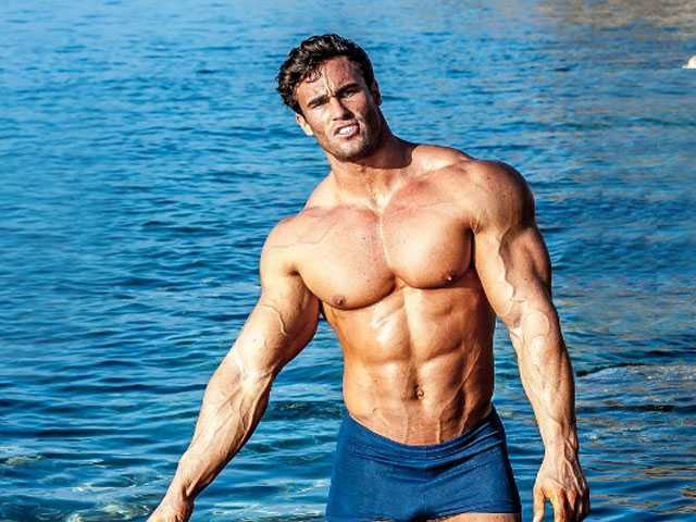 PopUps: Feast Your Eyes on the Hunk Playing Arnold Schwarzenegger in Upcoming Fitness Drama