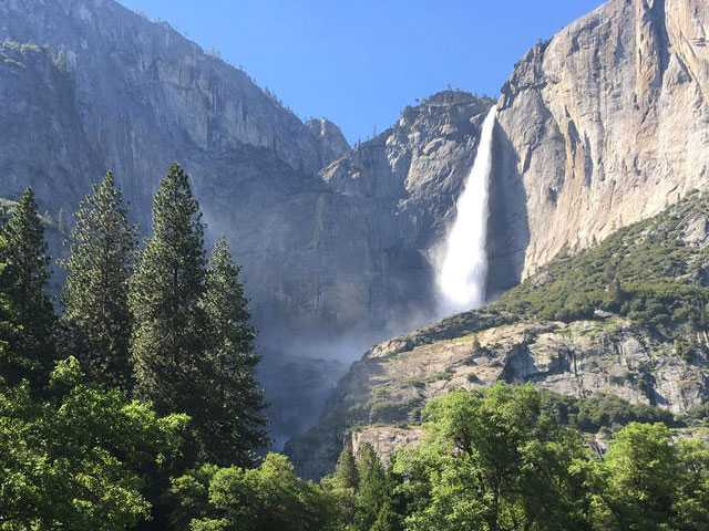 U.S. Considers Higher Entry Fees at 17 Popular National Parks