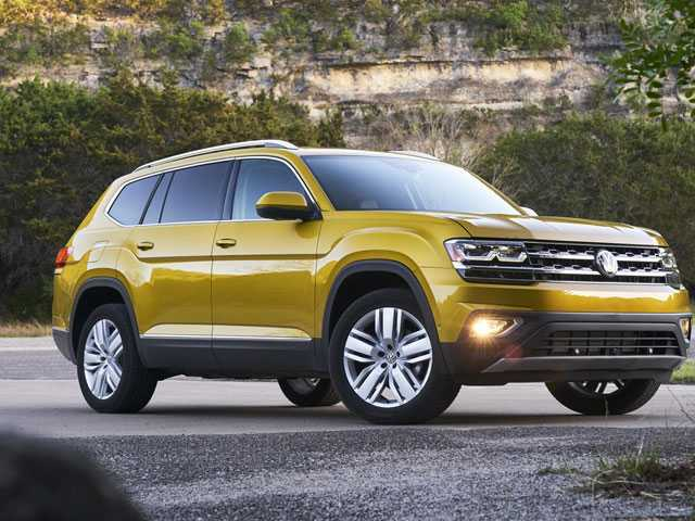Edmunds Sizes Up Chevrolet Traverse Versus Volkswagen Atlas