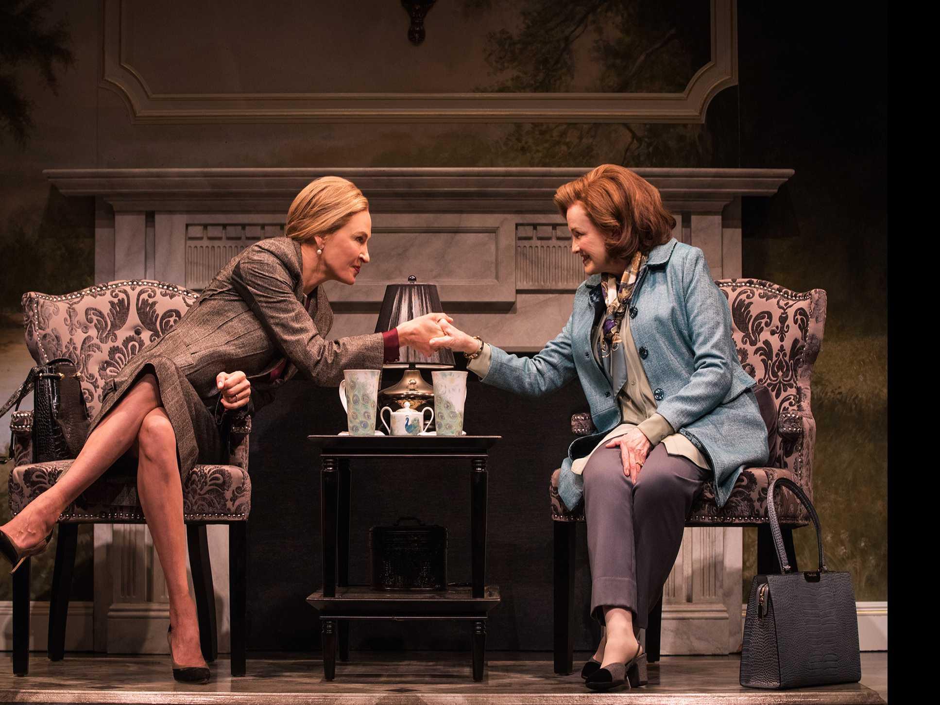 Review :: The Parisian Woman