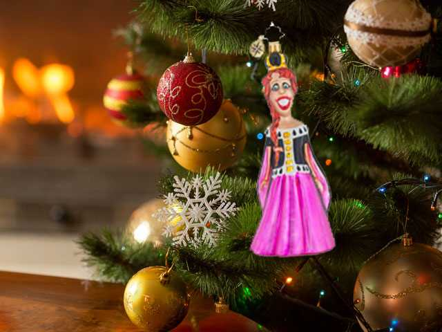 Carol Burnett Joins Broadway Legends Holiday Ornament Collection