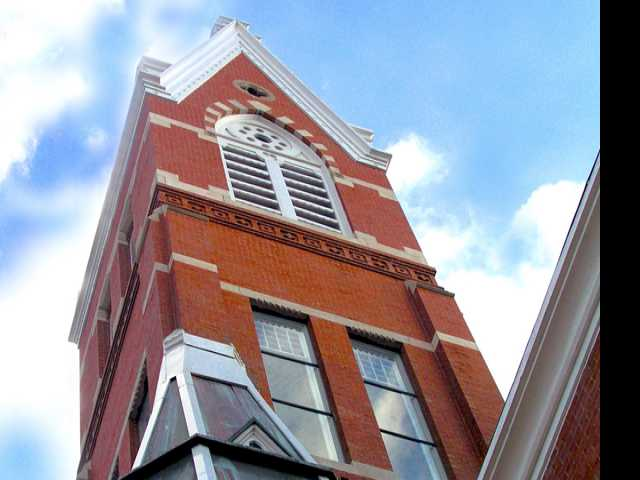 200-Year-Old Baptist Church Approves Same-Sex Marriages