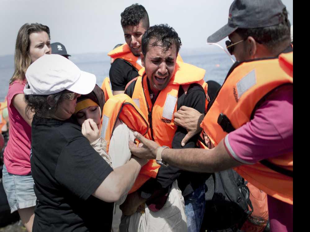 A List of Heartbreak: Newspaper Tallies 33,293 Dead Migrants