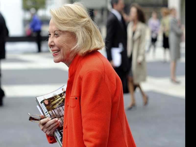 Liz Smith, Syndicated Gossip Columnist, Dies at 94