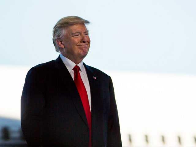Trump Barges into Tax Debate, Seeks Deeper Cut for Wealthy