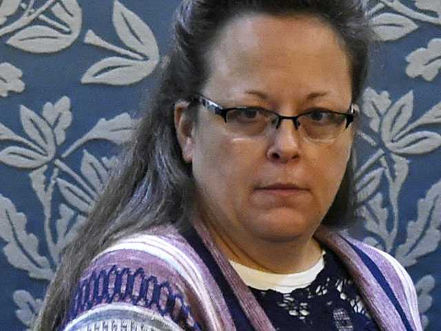 In Kentucky Town, Anti-Gay Clerk Kim Davis Still Divides