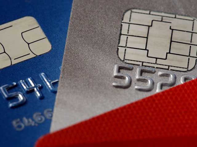 Are Holiday Credit Card Promotions Right for You?