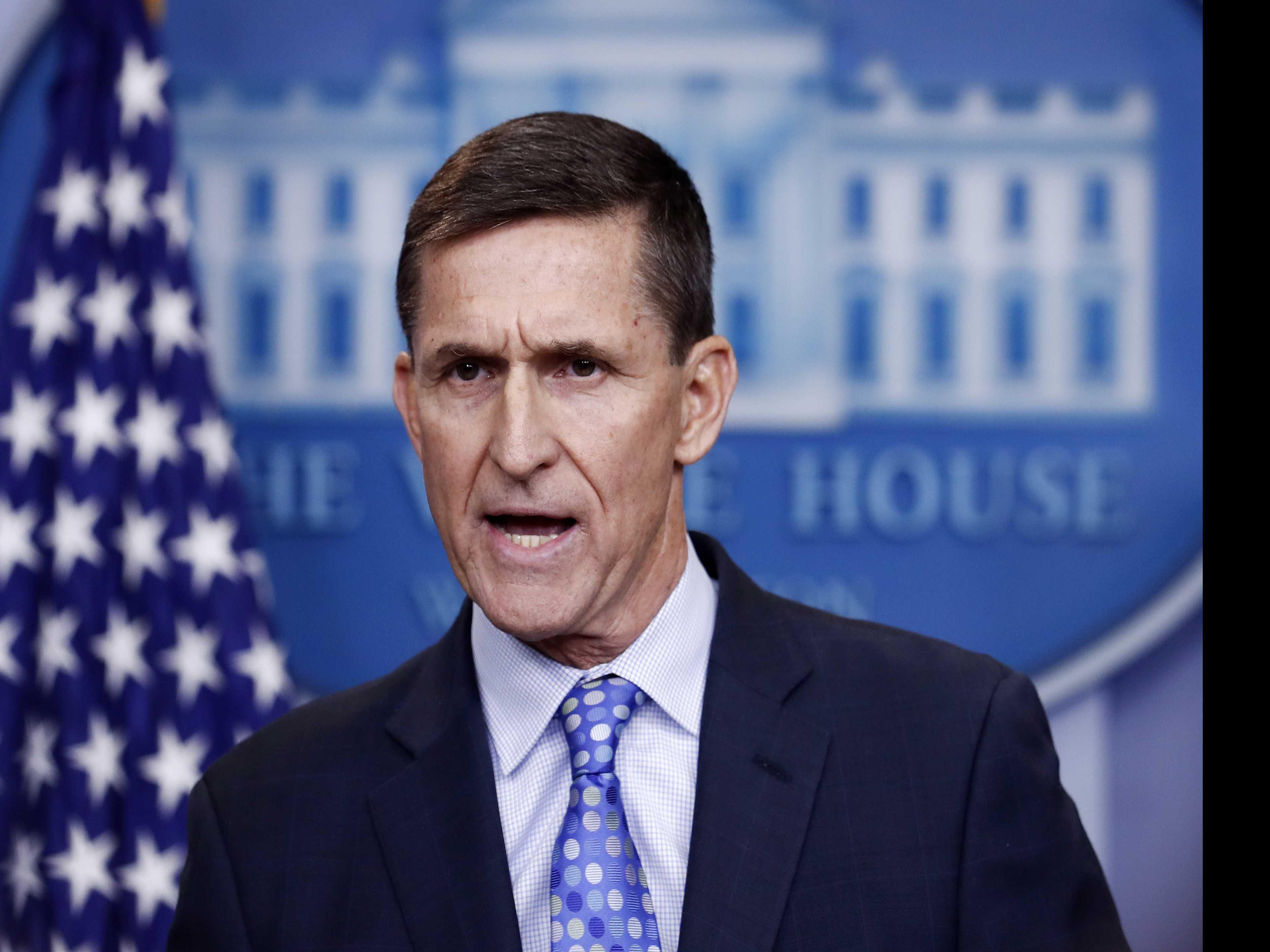 AP Source: Flynn Breaks with Trump Team on Mueller Probe