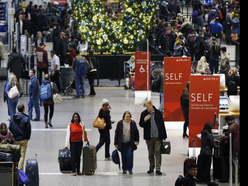 Even Procrastinators Can Find Holiday Travel Deals