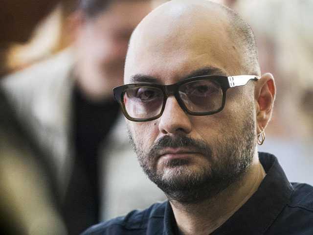Russian Court Keeps Theater Director Under House Arrest