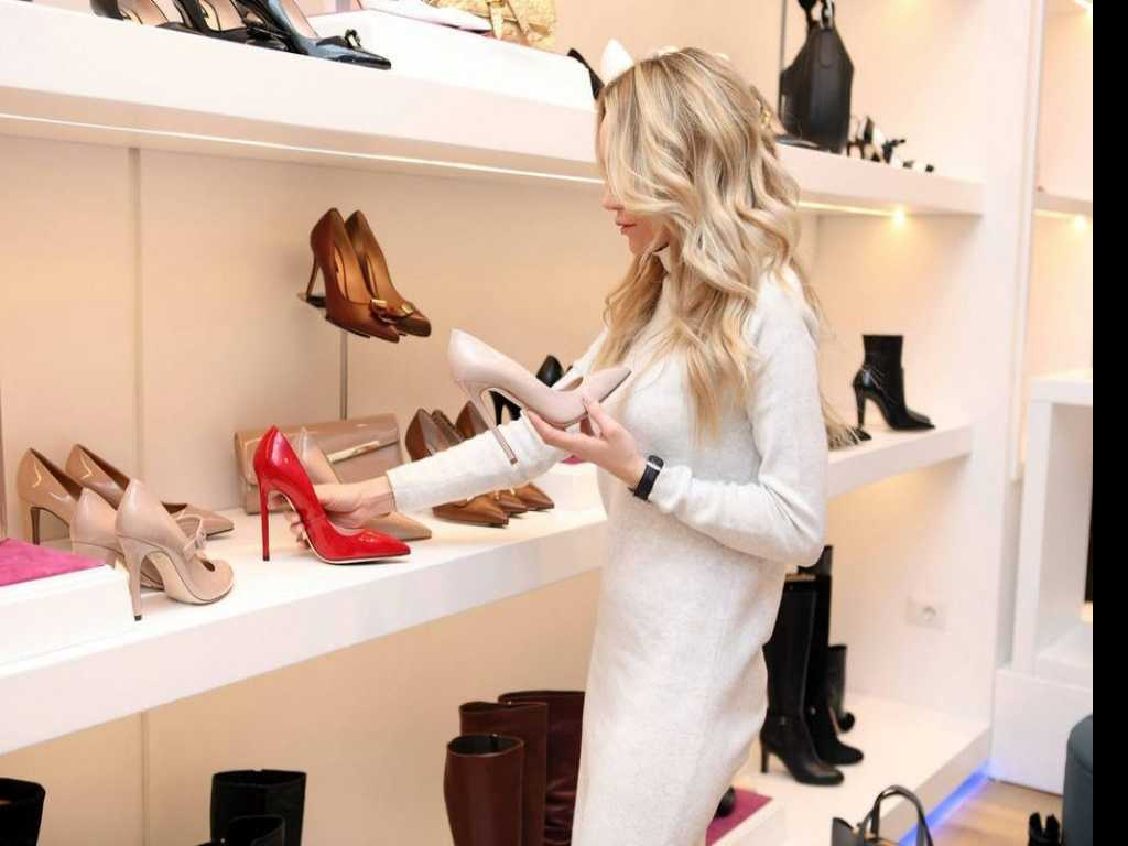 Research Shows Women Spend 4 Months of Working Lifetime Thinking of What to Wear