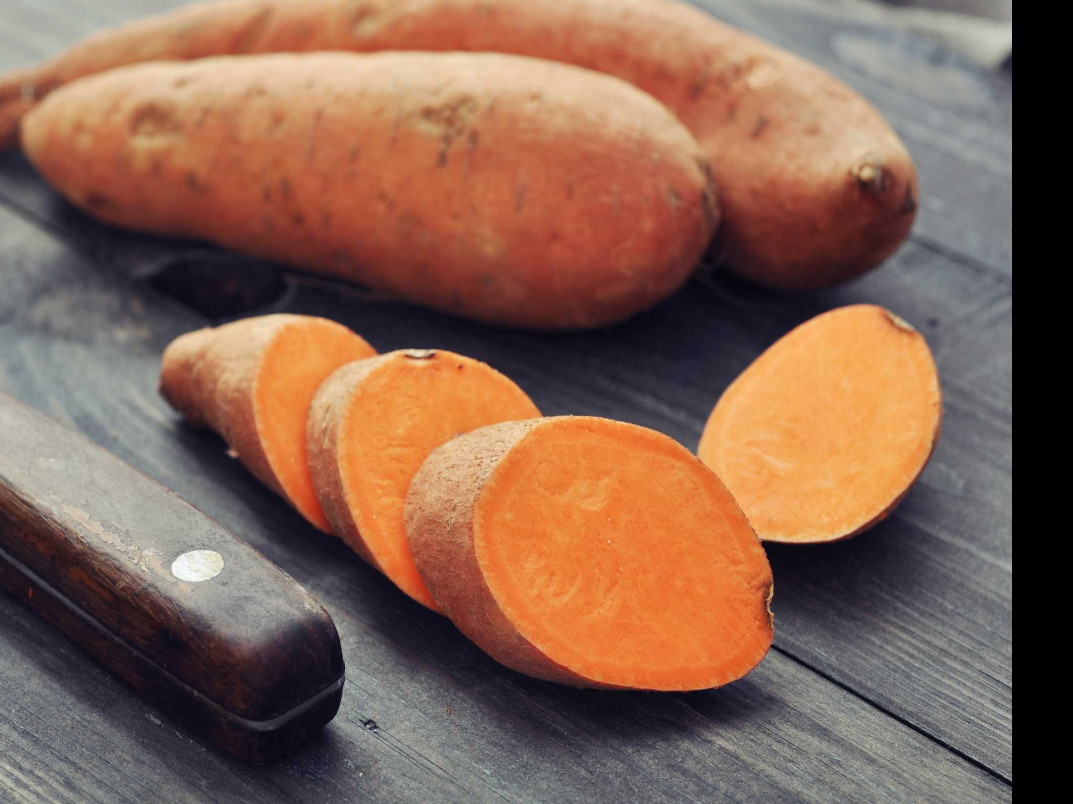Keep Your Skin Thriving This Winter with These 9 Foods