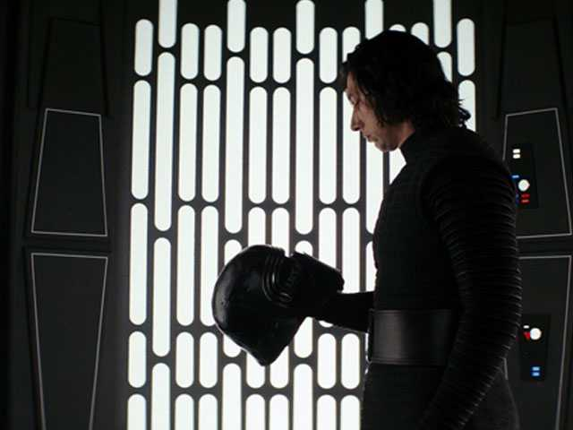 'The Last Jedi'  Opens with $220M, 2nd Best Weekend All-Time