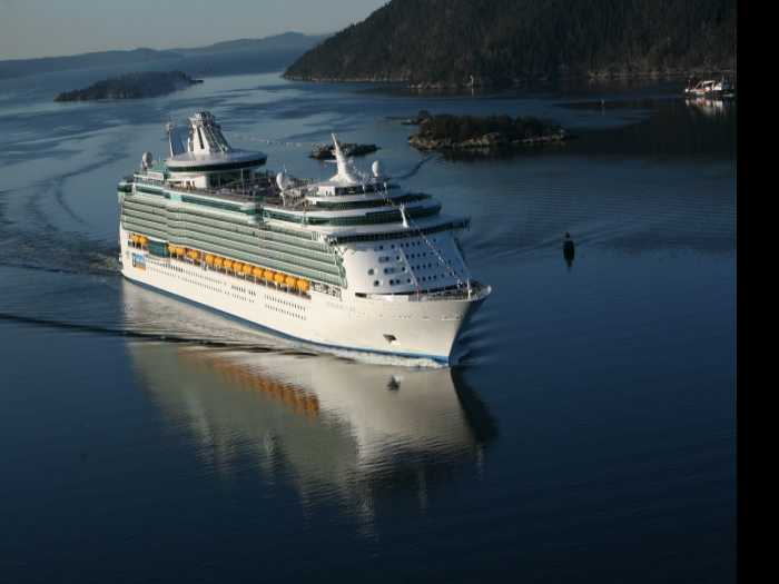 332 Royal Caribbean Passengers Fall Ill with Stomach Virus