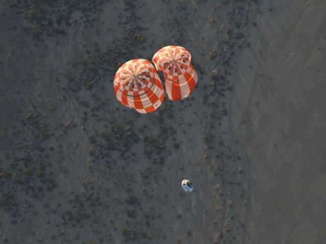 NASA Drops Replica Orion Spacecraft to Test Parachutes
