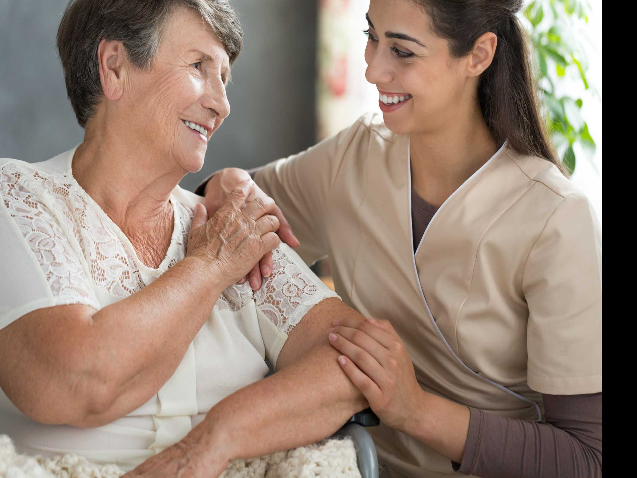 3 Ways to Help a Loved One Receive Proper Nursing Home Care