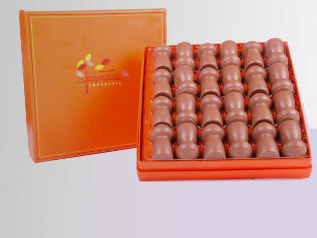 Mark the Season of Romance with Special Chocolates