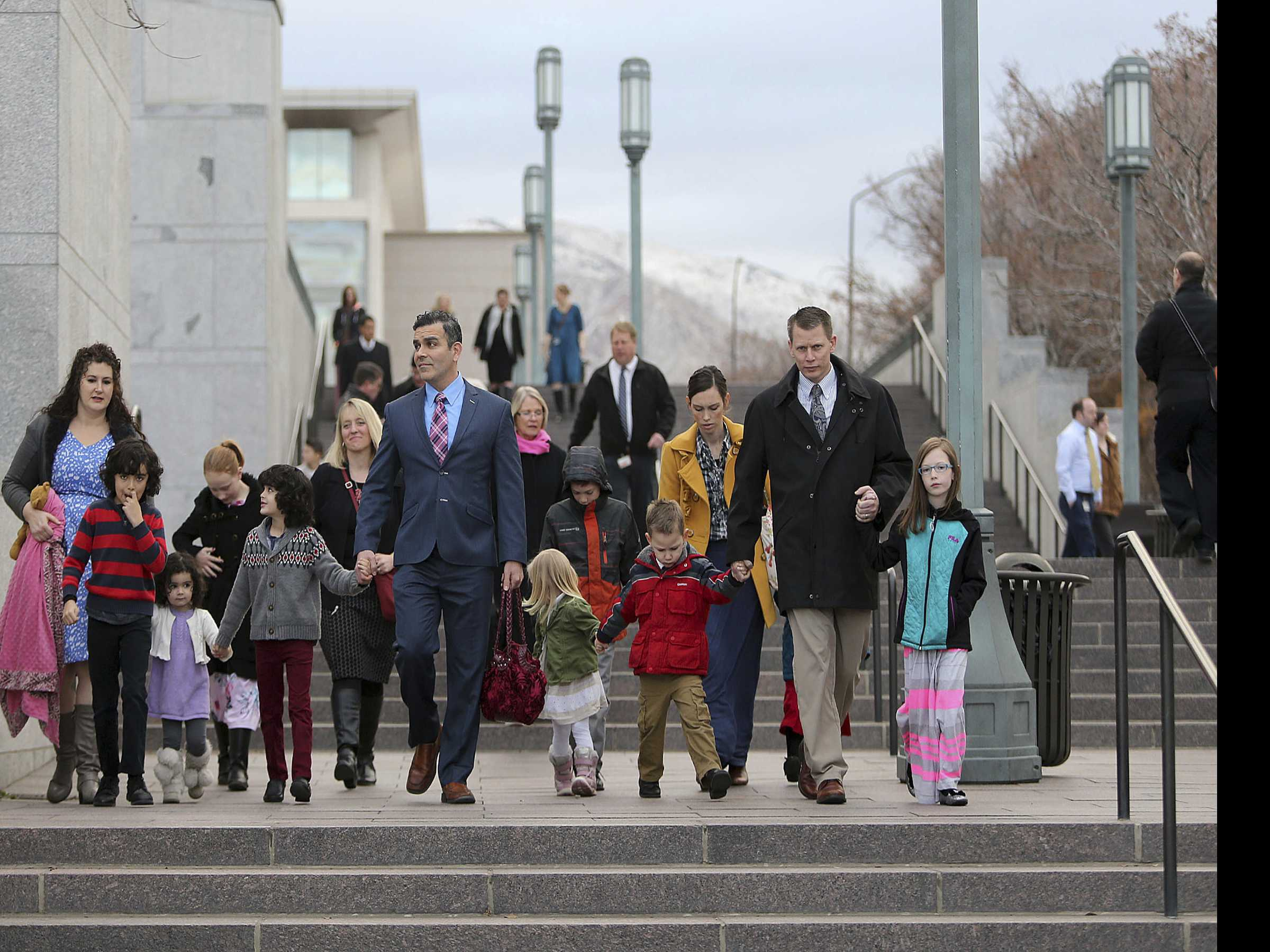 'Until We Meet Again': Thousands Mourn Mormon President