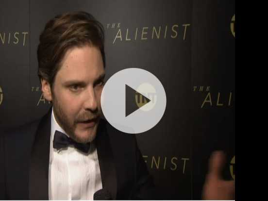 Bruhl Debuts New Killer Thriller Series 'The Alienist'