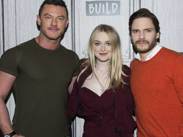 In 'Alienist,' Dakota Fanning Breaks 1890s Rules for Women