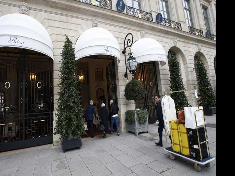 Putting on the Ritz: Paris Hotel Auctions Luxury Pieces