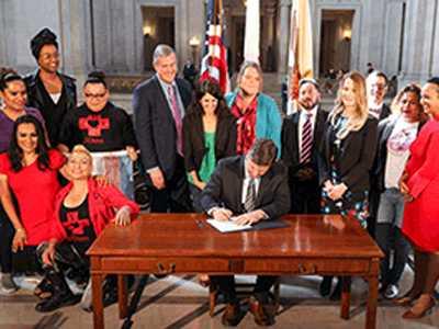 Mayor Signs SRO Bathrooms Law