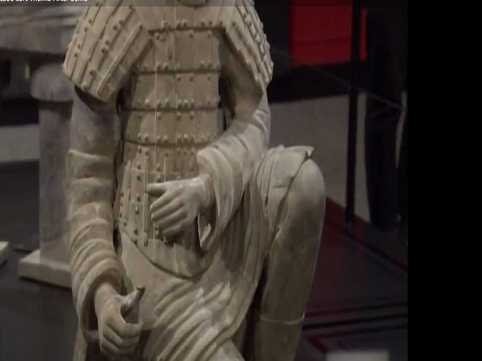 FBI: Partygoer Stole Museum Statue's Left Thumb after Selfie