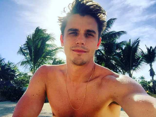 The Internet Has a lot of Feelings About 'Queer Eye' Star Antoni Porowski
