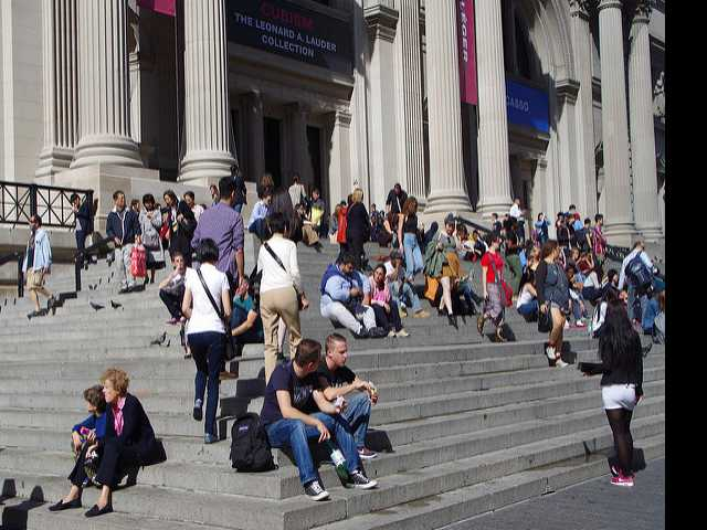 New York's Met Starts Mandatory Fee for Non-New Yorkers