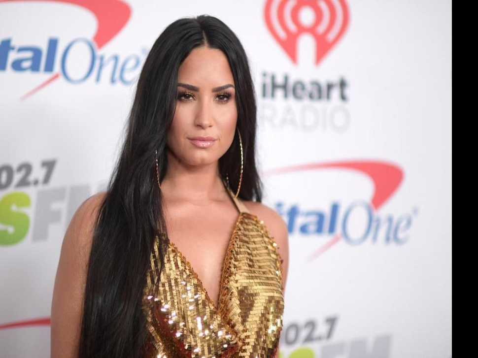 Demi Lovato Celebrates 6 Years Sober at Show with DJ Khaled