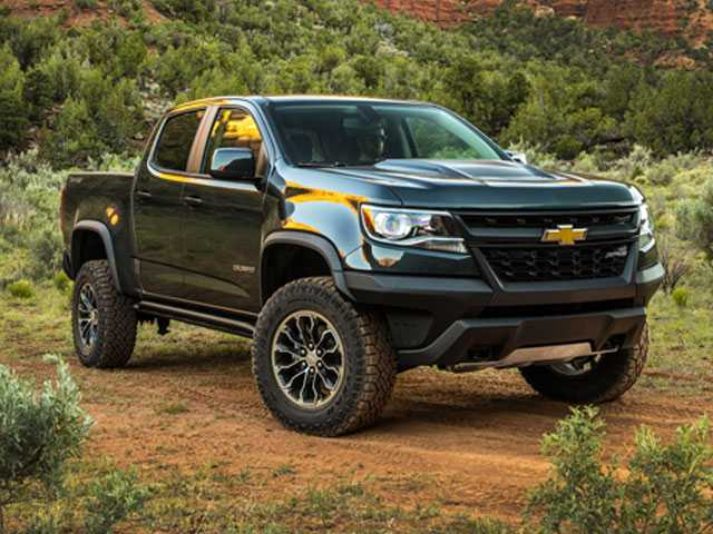 Edmunds Compares 5 Midsize Pickup Trucks