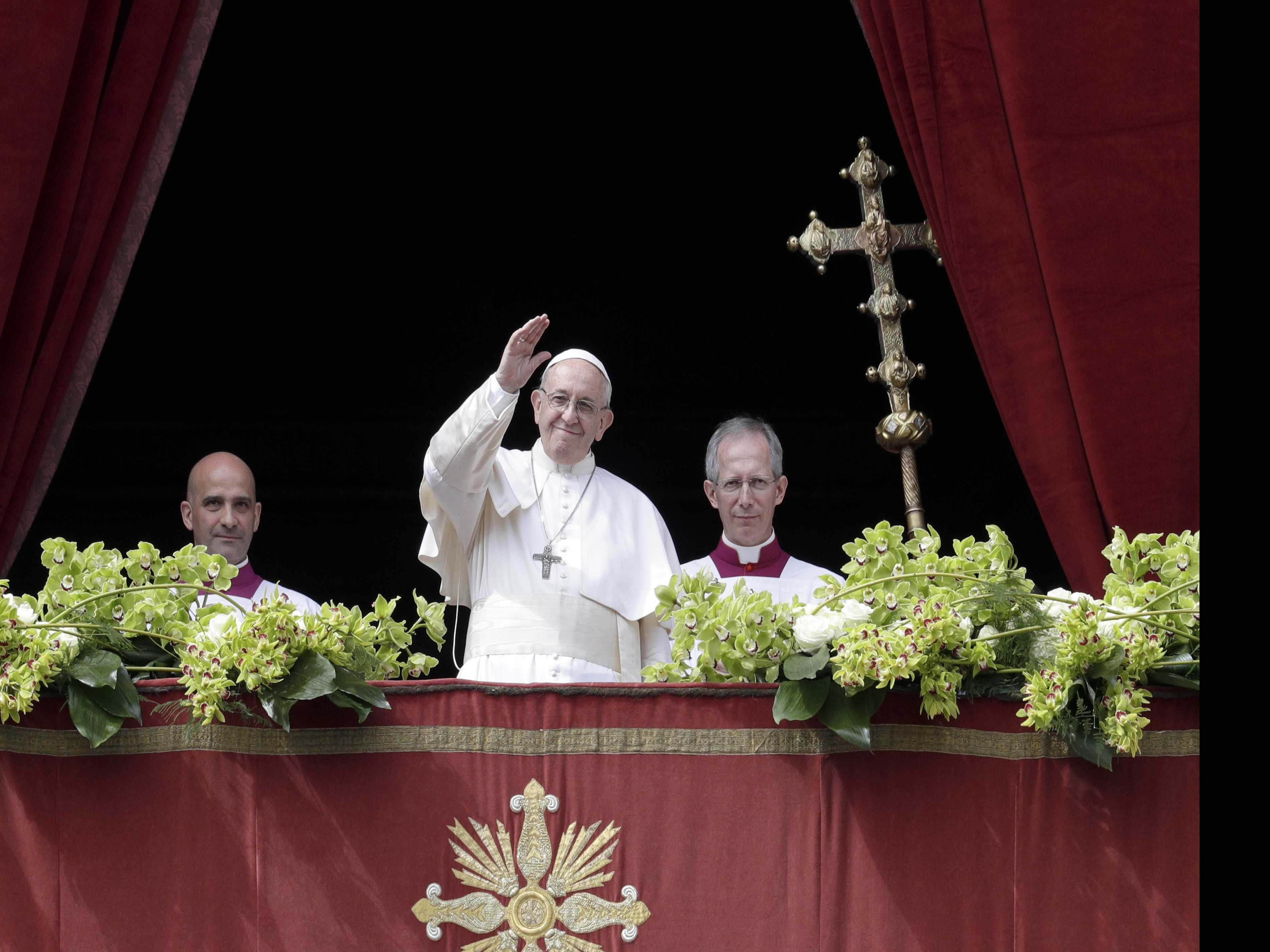 'Hope and Dignity:' Pope Calls for Peace in Easter Message