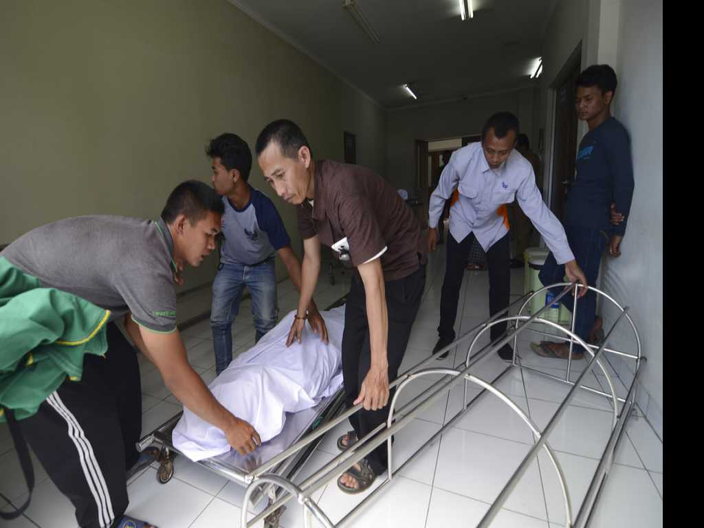 More Than 80 Dead From Tainted Liquor in Indonesia
