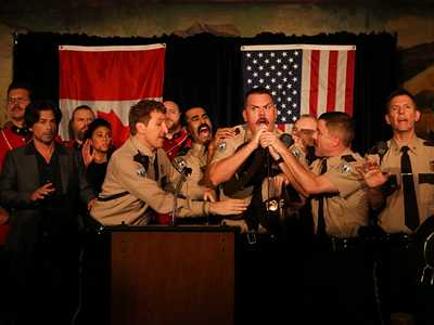 Review :: Super Troopers 2