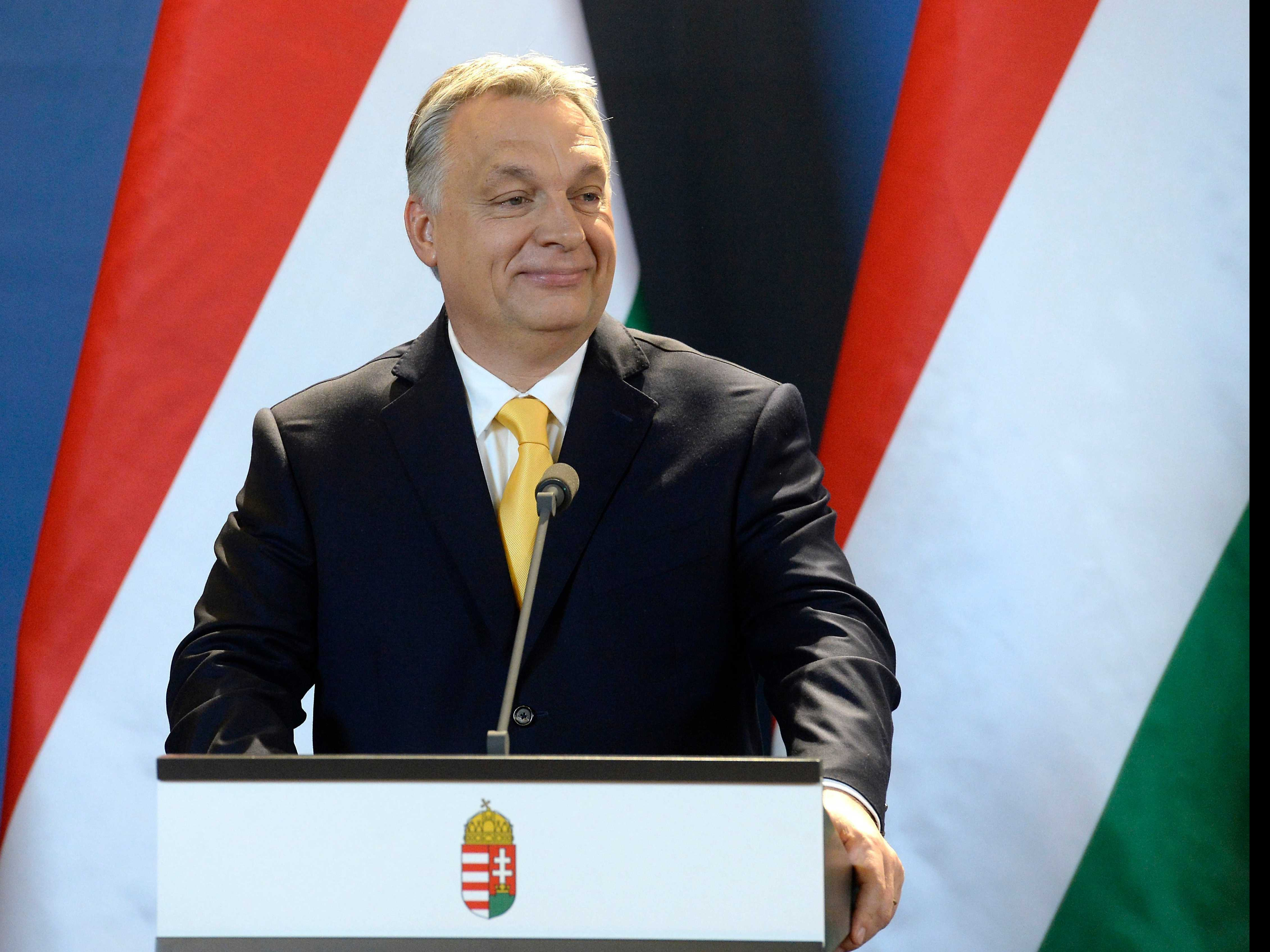Hungary: Pro-Govt Weekly Prints List of 'Soros Mercenaries'