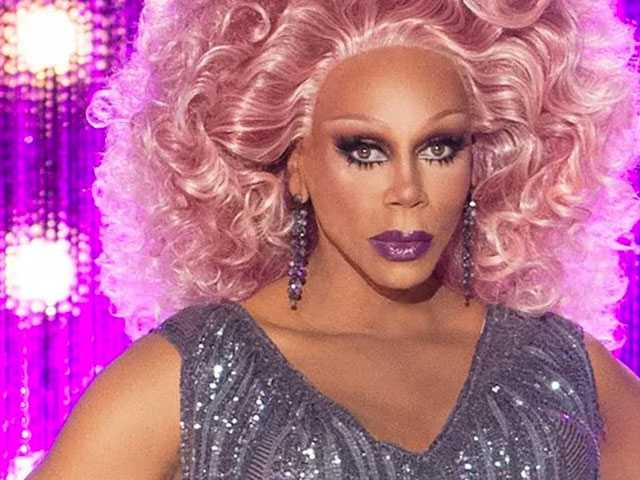 Wanting to Bond with Son, Dad's Reddit Post Seeking to Understand 'Drag Race' Goes Viral
