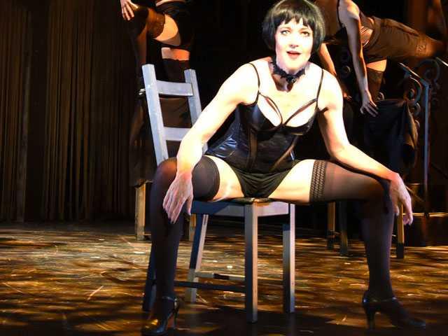 Review :: Cabaret