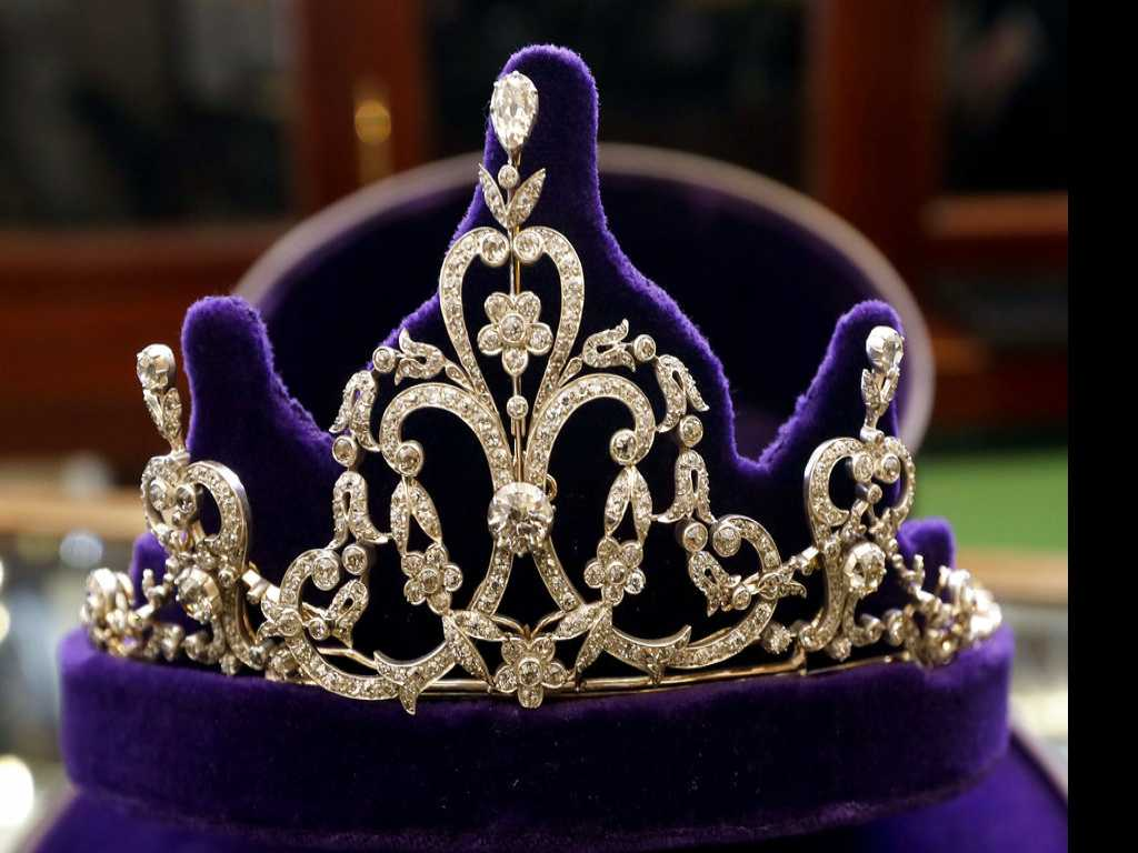 Meghan's Choice: Will a Royal Tiara Grace the Big Day?