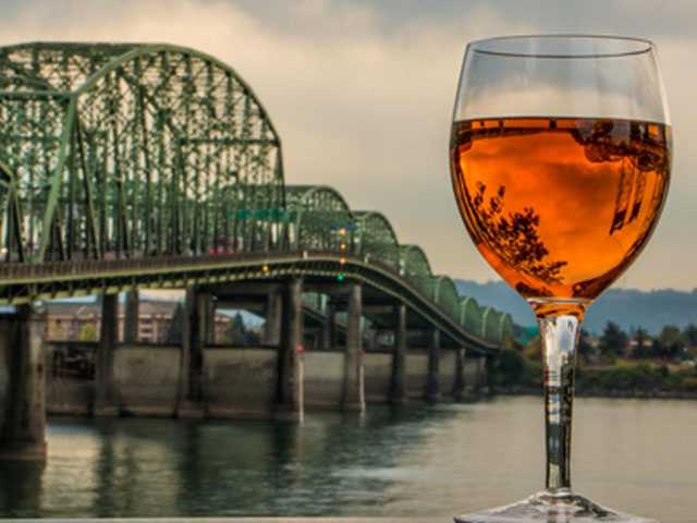 Wine & Waterfalls in Oregon's Columbia River Gorge