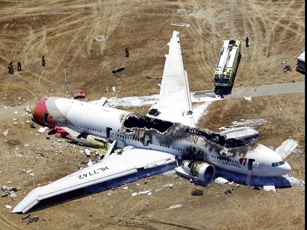 After Air Accidents, Survivors Grapple with Flying Again