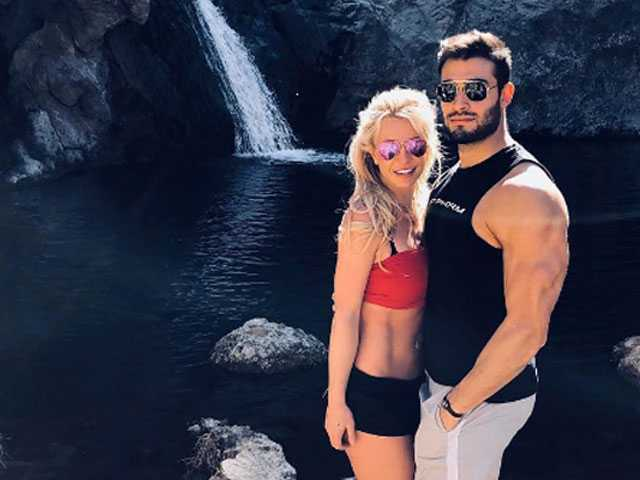 Watch: Britney Spears Dances with Hunky Boyfriend Sam Asghari in Sexy Vid