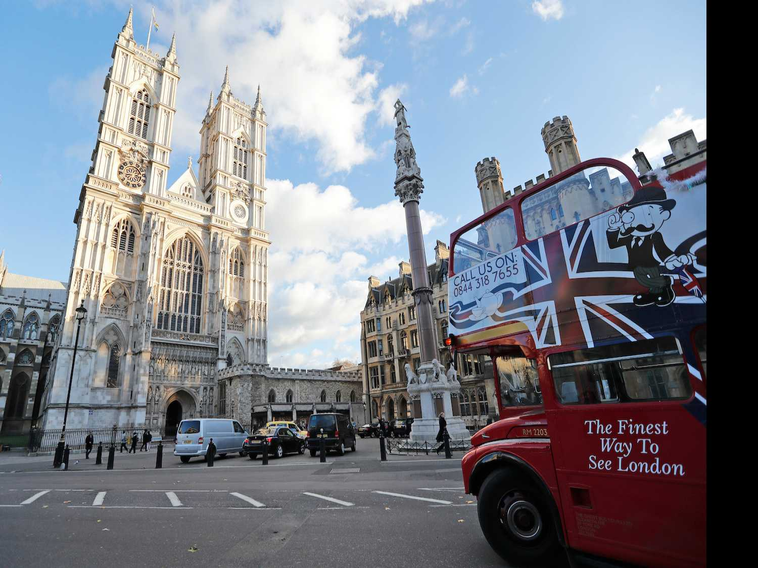 A London Itinerary for Fans of British Royals